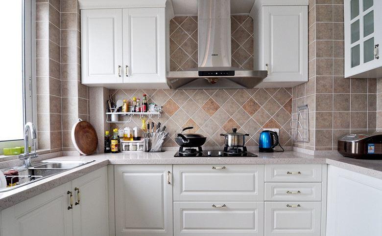 厨房新格局,你还在使用普通的墙壁插座吗?